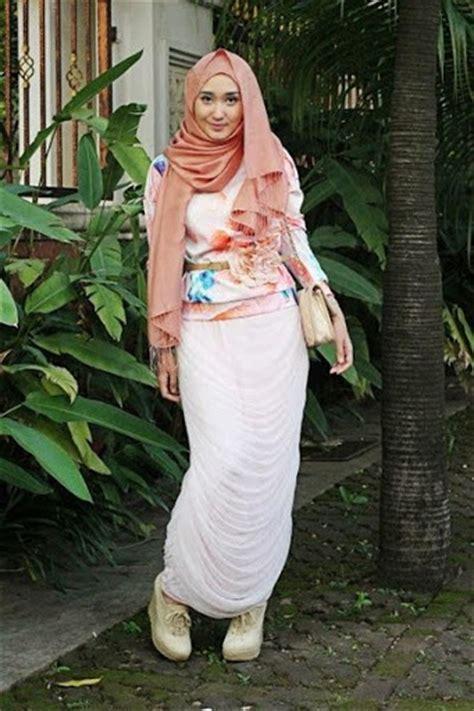12 model pakaian muslimah kantoran modern terbaru 2017 2018