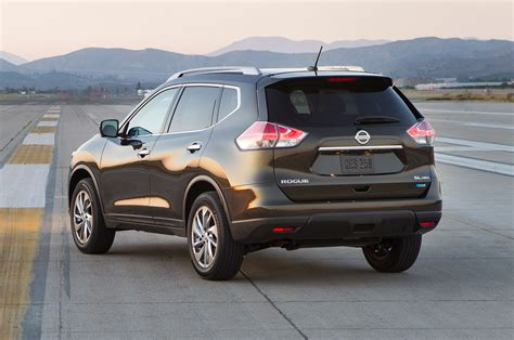 black nissan rogue 2014 2014 nissan rogue first drive motor trend
