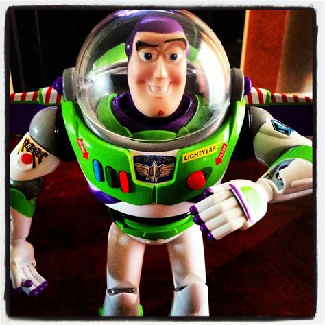 Kostum Buzz A Light Year B 17 best images about buzz light year on tin lunch boxes and disney characters