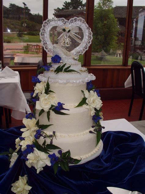wedding cake table ideas 37 creative wedding cake table decorations table decorating ideas