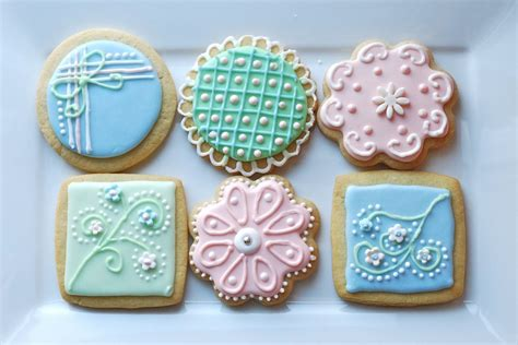 How To Decorate Sugar Cookies by Sugar Cookies To Decorate Ideas About Decorating Sugar
