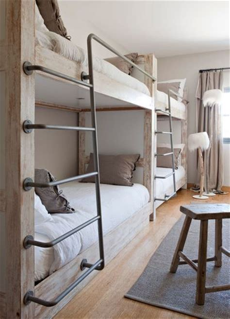 Bunk Beds Pinterest 25 Best Ideas About Built In Bunks On Pinterest Bunk Beds Bunk Rooms And Four Bunk Beds