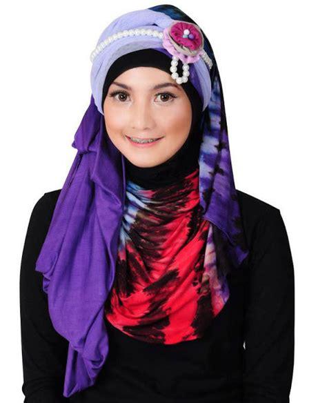 tutorial jilbab syar i dua warna tutorial jilbab warna warni by colorful hijab