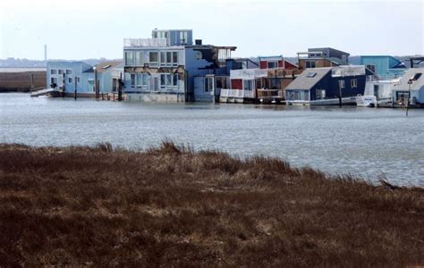 houseboat jersey shore egg harbor township houseboat community faces rough waters