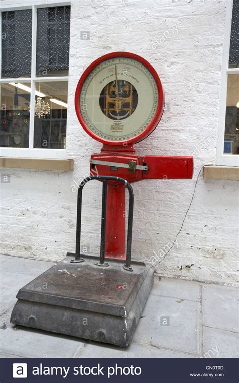 altmodische skalen scales stockfotos scales bilder alamy