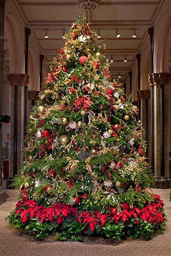 xmas tree decor crossword deck the halls smithsonian holiday decorations at the