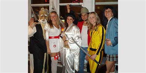 quentin tarantino film fancy dress 13 halloween costumes inspired by quentin tarantino films