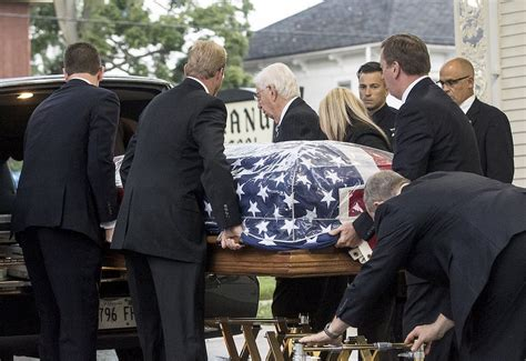 fox lake lt gliniewicz laid to rest amid sea of