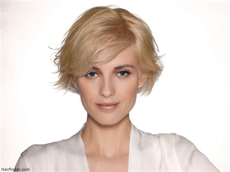 Easy to maintain short layered bob hairstyle