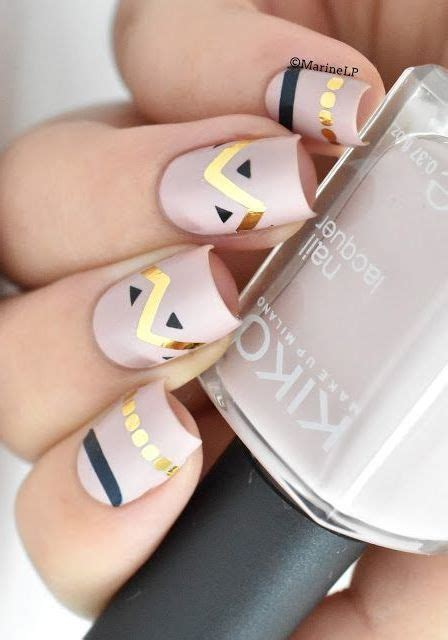 painting nails dress up 14 pretty ways to paint your nails this fall aztec nails