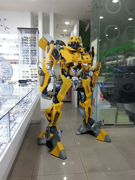 Bumblebee Papercraft - 170cm optimus prime and bumblebee papercraft by rarra