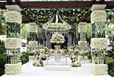 Expensive Decorations by Are Expensive Weddings Hurting Marriage