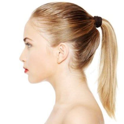 putting hair in ponytail and cut how to put hair in a ponytail