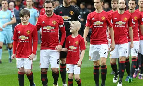 top 100 most paid men footballer in 2016 in the world manchester united revealed to have the biggest wage bill