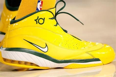 nike basketball shoes 2007 kevin durant shoe history sneaker pics and commercials