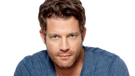 nate burkus nate berkus signs on as target s next design star