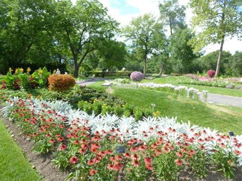 Parking Botanical Gardens Montreal Exhibit Garden Flowers Ii Picture Of Montreal Botanical Gardens Montreal Tripadvisor