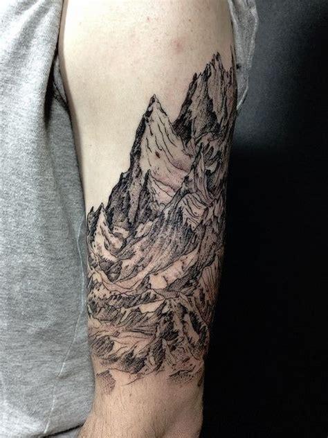 oriental mountain tattoo bunair tatoo montagne pinterest tatouages montagne