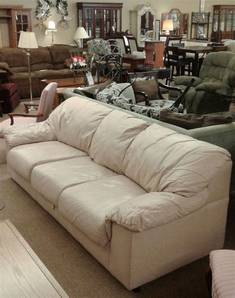 mauve leather sofa mauve leather sofa delmarva furniture consignment