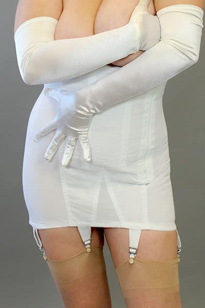 9 best images about open bottom girdles on pinterest venus 6007 open bottom zip girdle brabarella shapewear