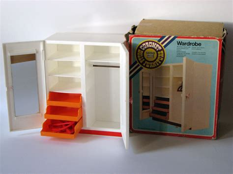 a company called coronet also made furniture for dolls at