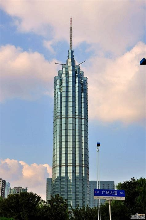 worlds tallest building 2014 the tallest buildings in the world thechive