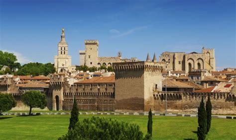 avignone sede papale avignone citt 224 teatro