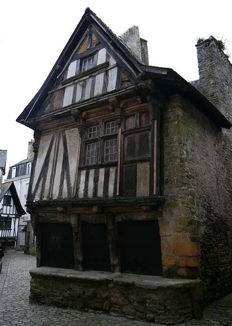 15th century house and shop for sale in