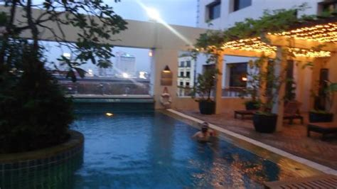 Pool Side Picture of AVANI Atrium Bangkok, Bangkok TripAdvisor