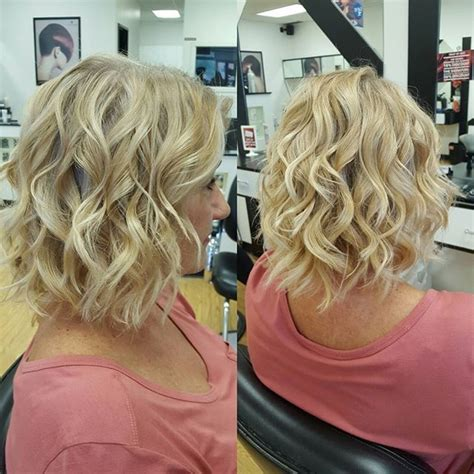 25  Best Ideas about Curling Hair With Wand on Pinterest
