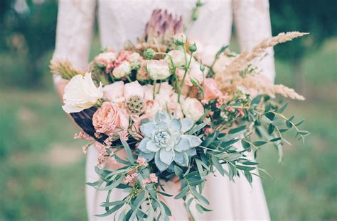flowers wedding ideas wedding flower ideas inspired by 2017 pantone colors ftd