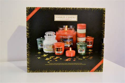 win a yankee candle christmas candle gift set birds and