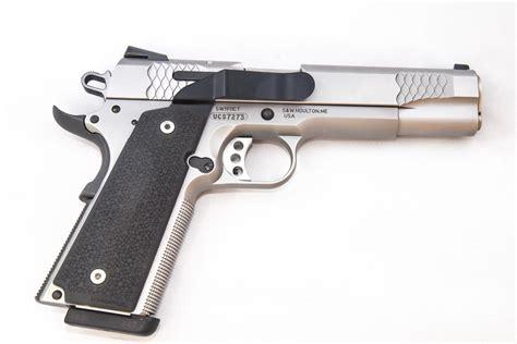 model  concealed carry holster belt clip minimalist iwb