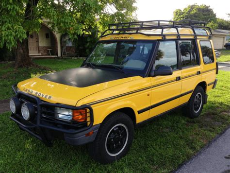 yellow land rover discovery hendrick commando expedition portal
