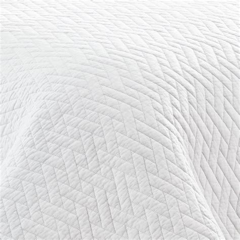 Solid White Quilt by Bahama Solid White Quilt Set From Beddingstyle