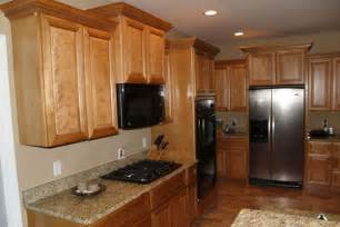 Natural Wood Kitchen Cabinets Oak Kitchen Cabinets Tan Walls These Countertops And