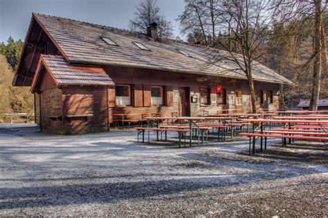 blockhütte im schnee mieten ostermontag im waldnaabtal muellereien