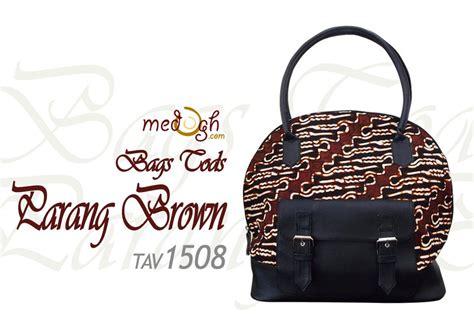 Tods Coklat Hitam tas etnik batik tods big totebag inspirasi dari tod s bag