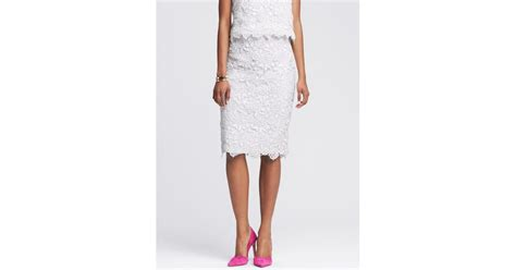 banana republic scalloped white lace pencil skirt in white
