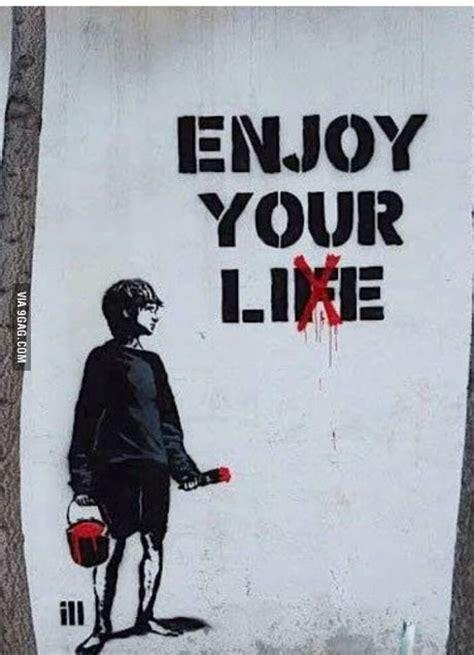 banksy art breaks the best 25 banksy ideas on