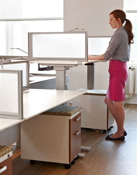 5 standing desk tips to keep you healthy and productive