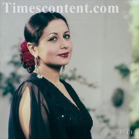 biography hindi film actress nanda nanda 1939 2014 10 rare photos of the bollywood actress