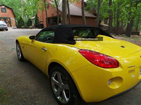pontiac solstice yellow yellow 2007 pontiac solstice convertible