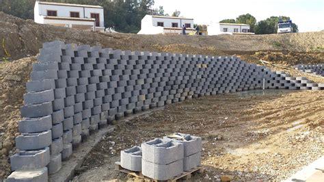 Costruire Muro Blocchi Cemento by Blocchi In Cemento Per Muri A Secco E Per Mantenimento