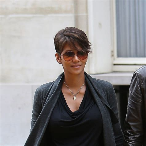 Halle Berry New Hairstyle by Haircut Of The Week Halle Berry S New Side Swept Almost