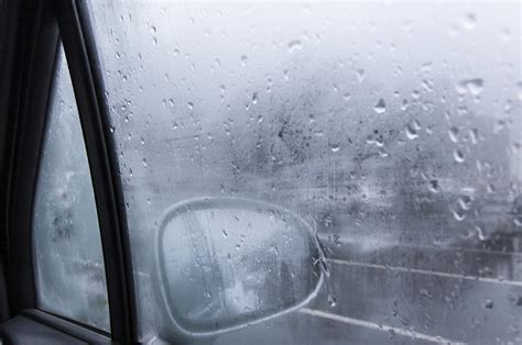 how to clean foggy house windows how to avoid foggy car windows 7 steps onehowto