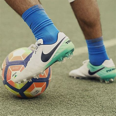 football practice shoes 2638 best soccer images on football shoes