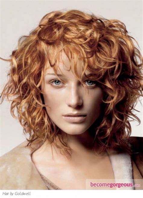 how to get loose curls medium length layers medium length layered haircuts for curly hair
