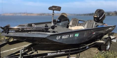 triton boats factory location 2006 triton bass boat 176 magnum 18 with factory matched