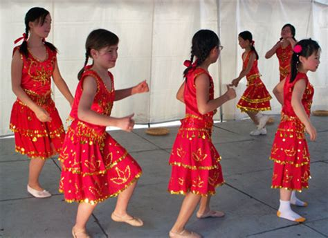 chinese hula dancers asian music and dance at cleveland asian festival